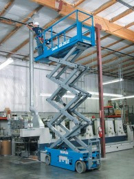 genie_gs2632_scissor_lift_extending_deck