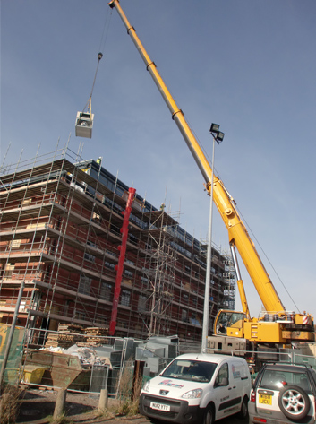 Contract-lift_Lift of air conditioning equipment