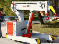 Valla 30e pick and carry mini crane