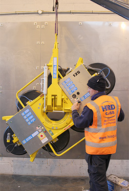DSZ3_vacuum_lifter_being_tested_leea_accredited_engineers_hird