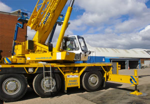 grove-3050-crane-in-action-product-of-the-month