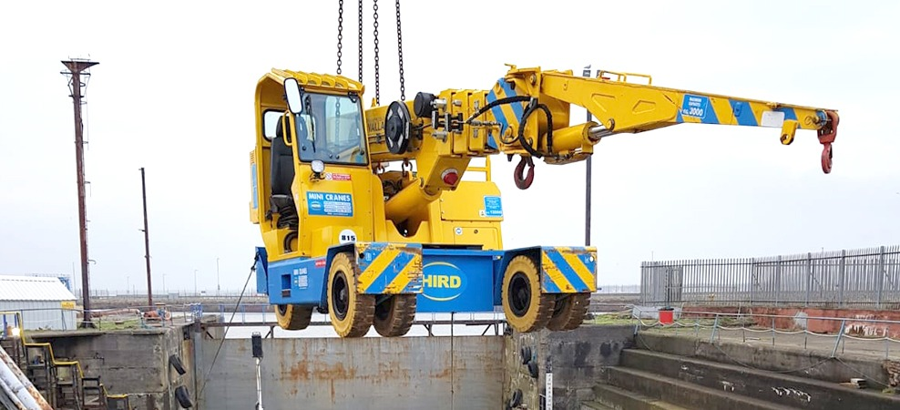 32e92ceec8d9a7 Valla crane proves its ship-shape for boat repair lift