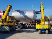 Raise a glass to perfect brewery tandem crane lift