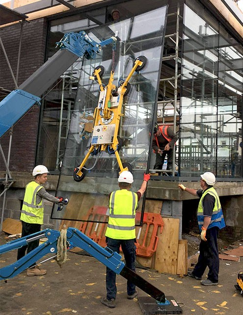 DSZ2 Vacuum Lifter - Curtain Wall Installation
