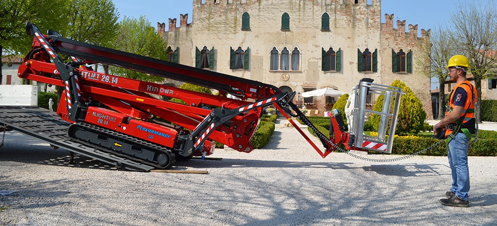 hinowa-ll26.14-spider-boom-Product-of-the-Month