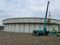 Sewage lifting team flush with success thanks to Maeda mini crane