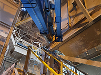 Mini crane lift at quarry demonstrates Maeda advantage